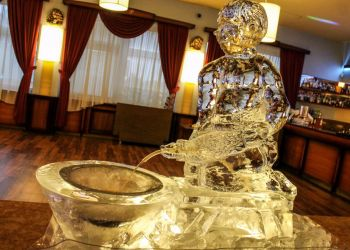 Creative ice sculptures and ice alcohol fountain